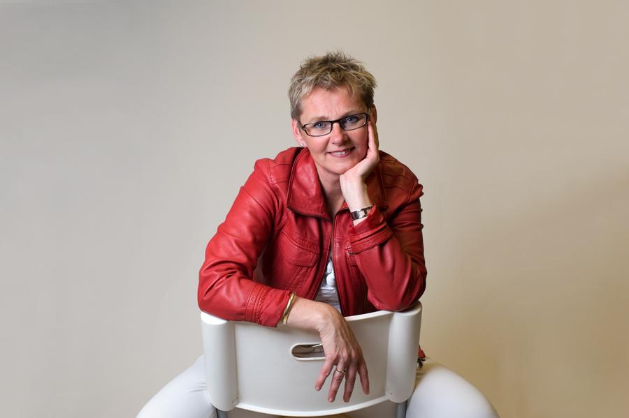 portretfoto Suzanne Schmeink